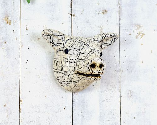 Lace Pigs Head 21cm
